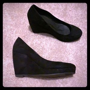 Black Wedges, size 8!